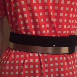 Ann Taylor Women genuine leather belt size M/L
